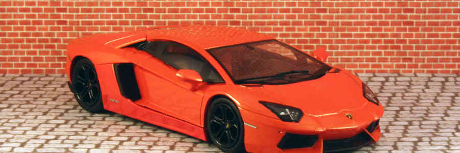 Hot Wheels Elite: Lamborghini Aventador LP700-4 1:43